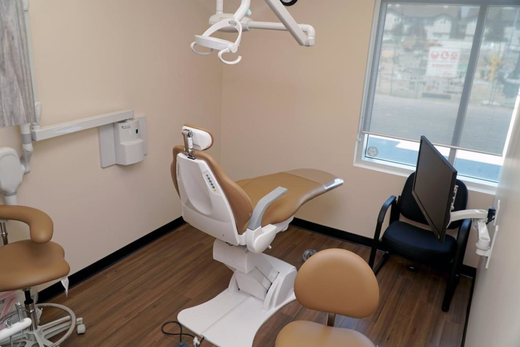 8th Street Dental Airdrie Operatory 2